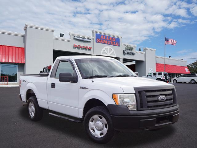 Pre-Owned 2009 Ford F-150 4WD REG CAB 126 XL