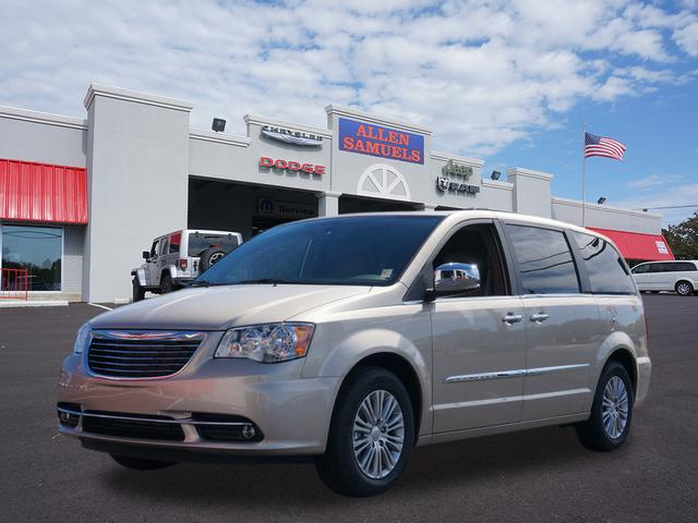 New 2015 Chrysler Town & Country Touring-L