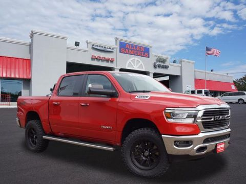 New 2019 RAM 1500 BIG HORN / LONE STAR CREW CAB 4X4 5