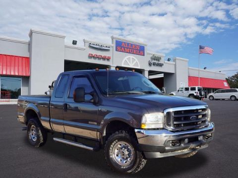 Pre-Owned 2004 Ford F-250 Super Duty SUPERCAB 142 LARIAT 4WD