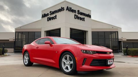 Certified Pre-Owned 2017 Chevrolet Camaro 2LT RWD 2dr Car